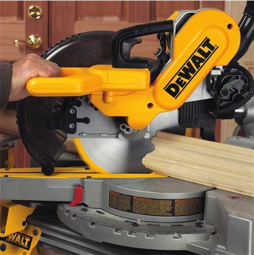 Dewalt DW717 Cutting Crown Molding