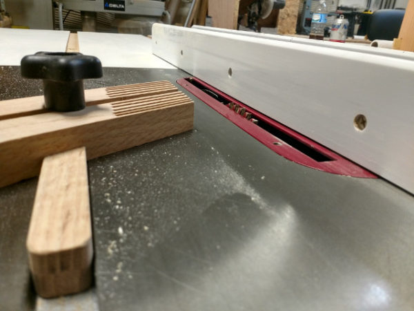 "Table saw set up for cutting 3/16"" grooves in aprons"