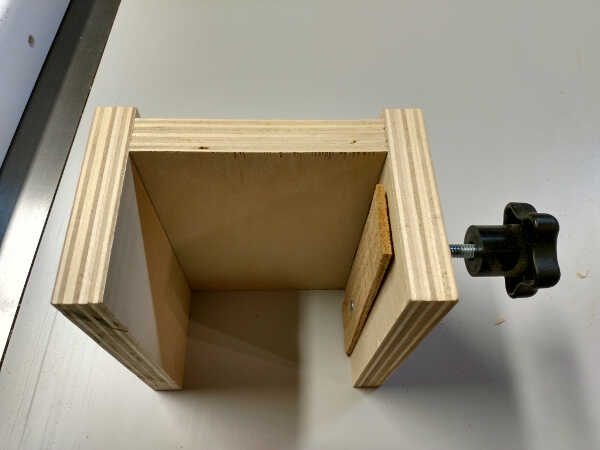 Stop block for your table saw fence