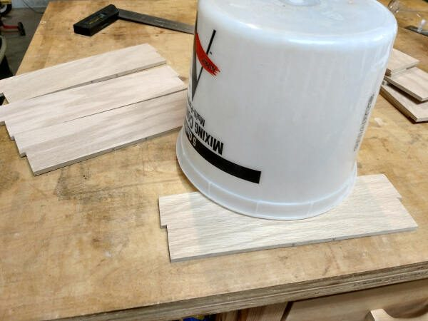 using a bucket to mark curves