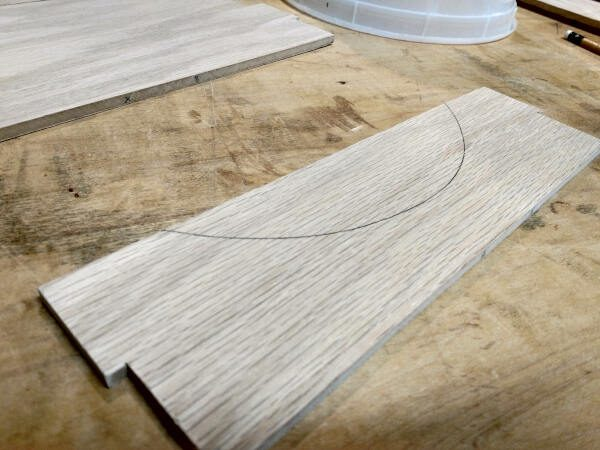 curve marked on silverware divider