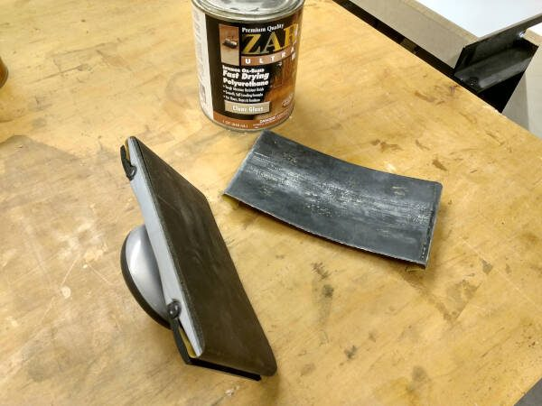 400 grit sandpaper used between coats of polyurethane