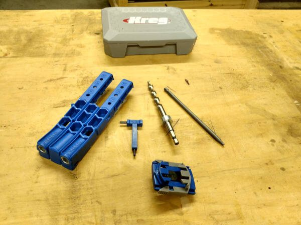 various parts of the Kreg pocket hole jig 320