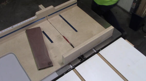 squaring up board with crosscutting sled